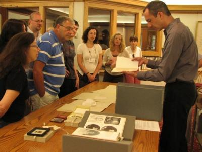 A group visit to the Archives & Special Collections.