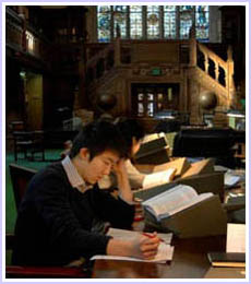Dan Kim '12 at the Folger