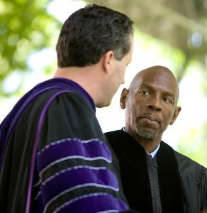 Honorary degree recipient Geoffrey Canada