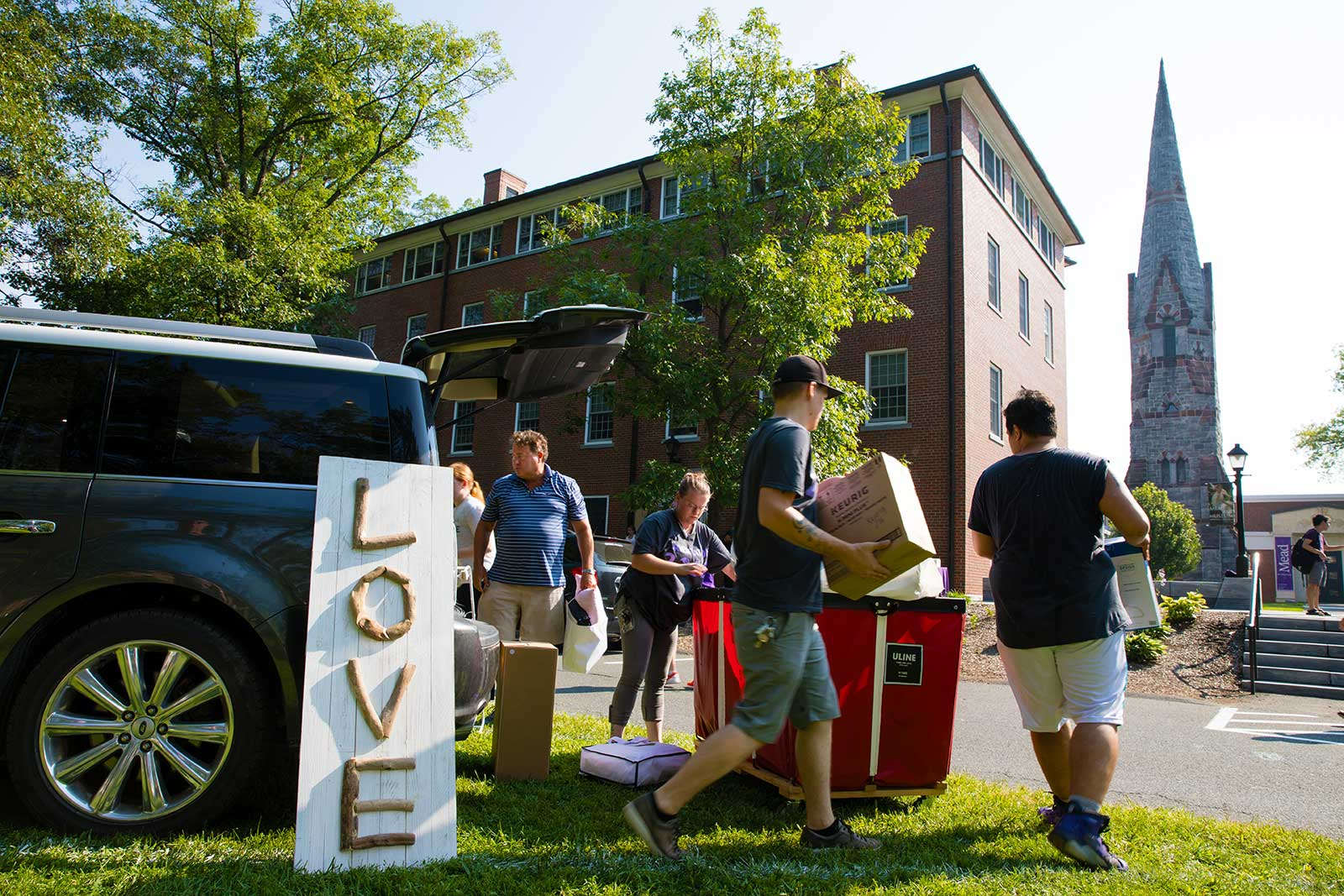 Families helping with move-in day