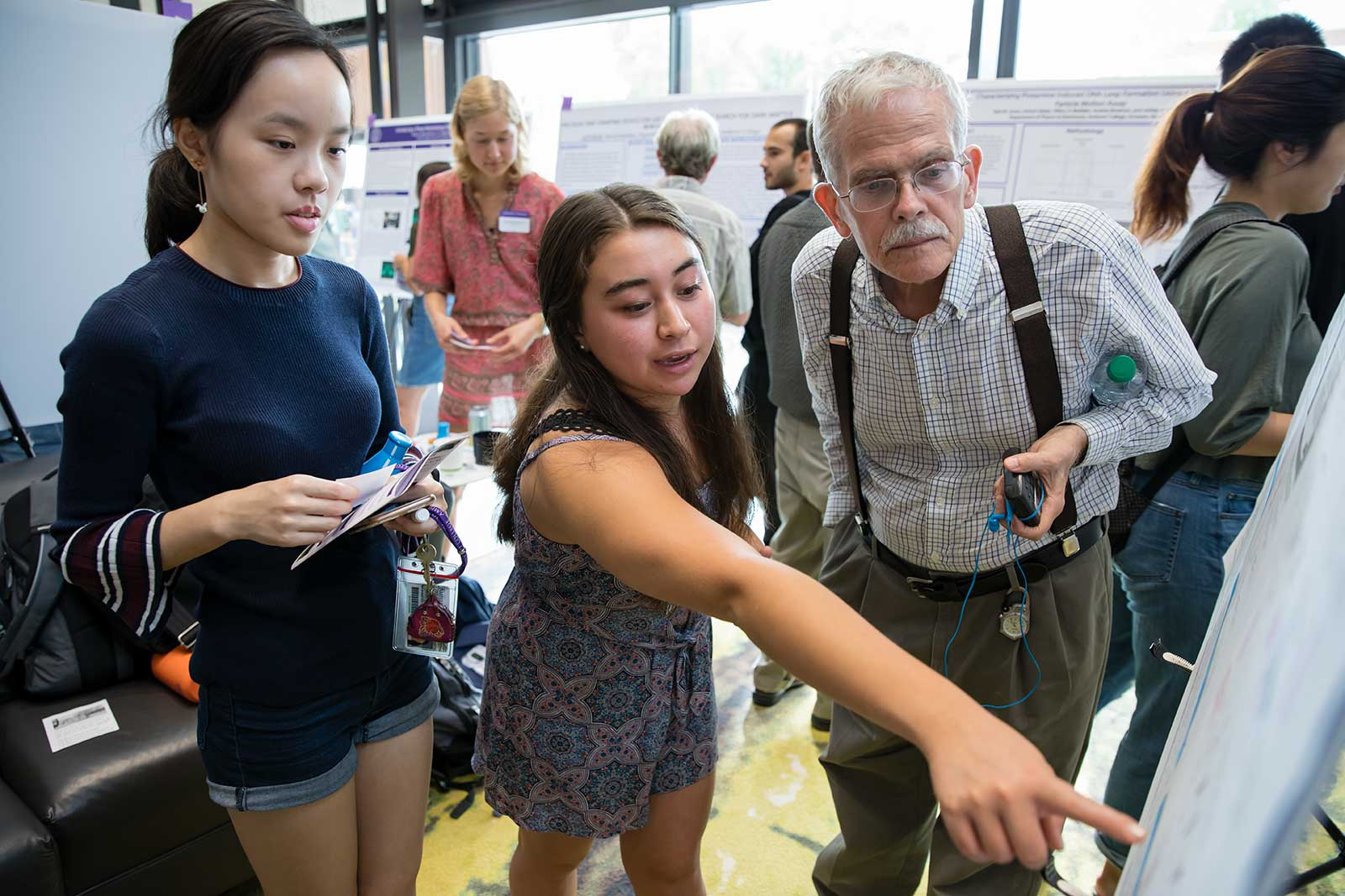 Lisa Cenek '21 at the Summer Research Poster Session