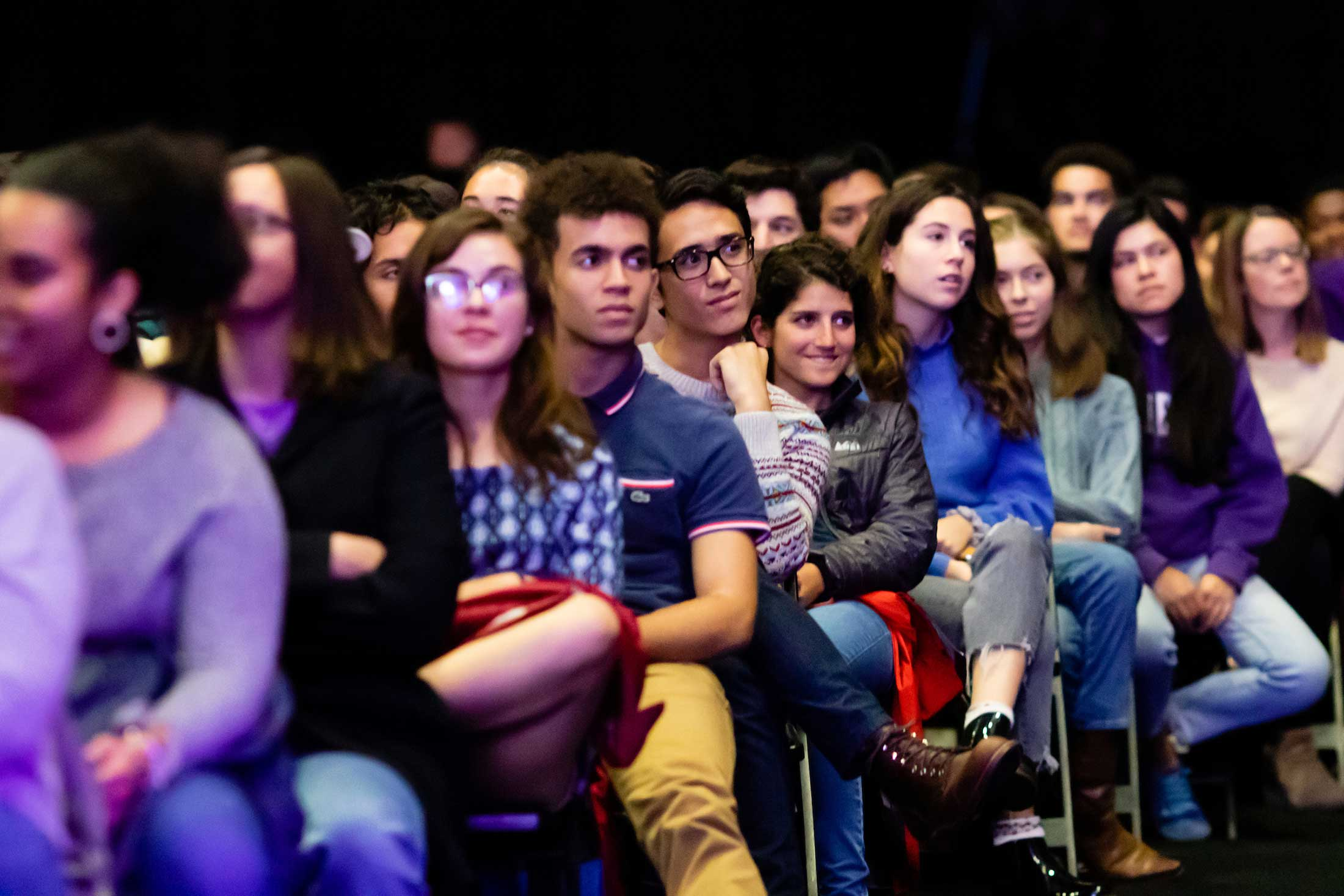 audience members listening attentively to Justice Ginsburg