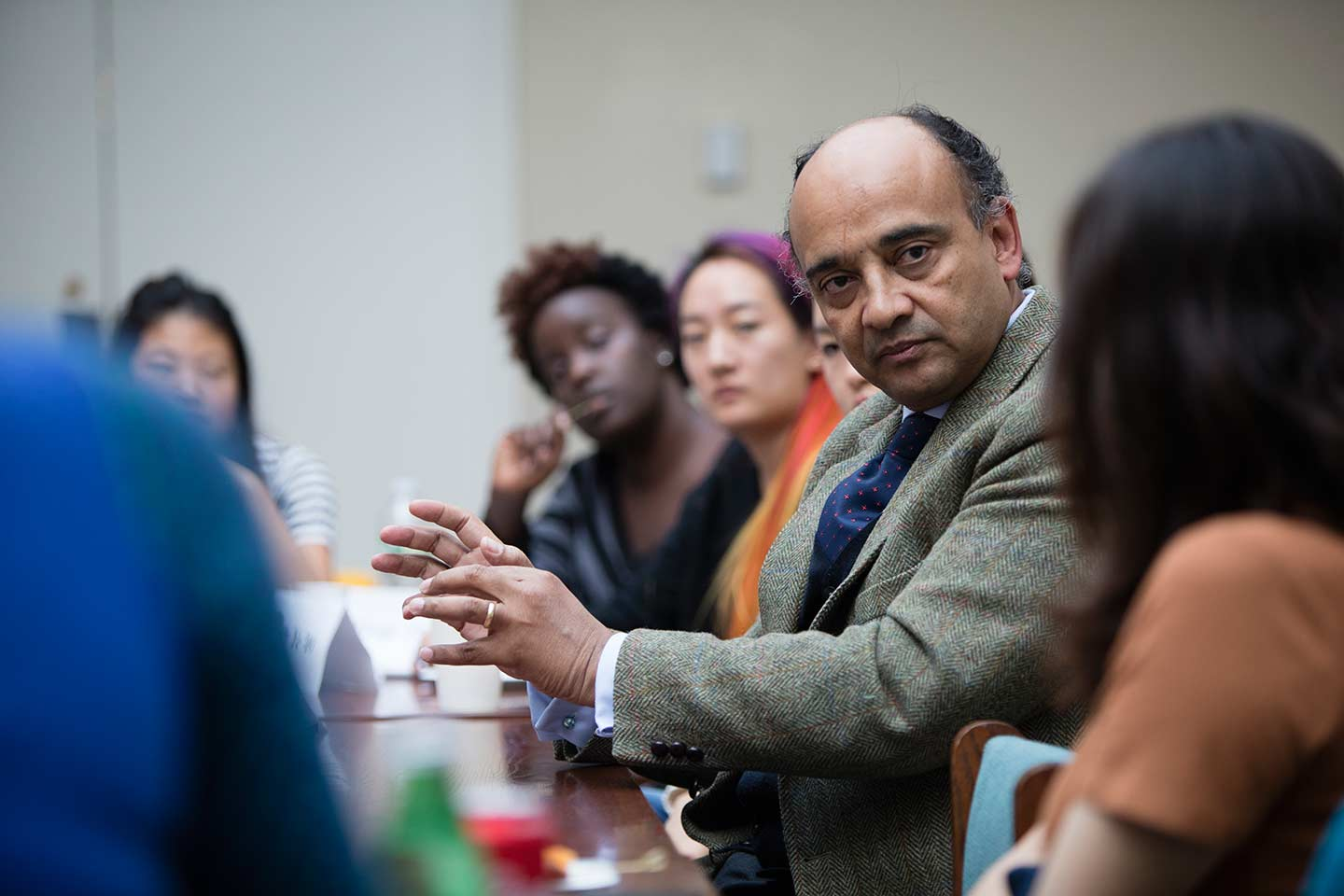 Kwame Anthony Appiah leading a classroom discussion at Amherst College.