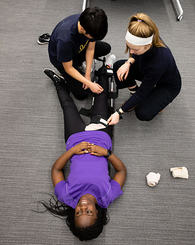 Students practice emergency medication responses during Interterm 2019 Course: Emergency Medical Services Training