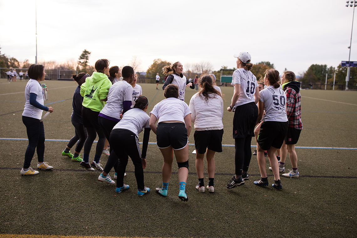 Women's Ultimate Frisbee team.