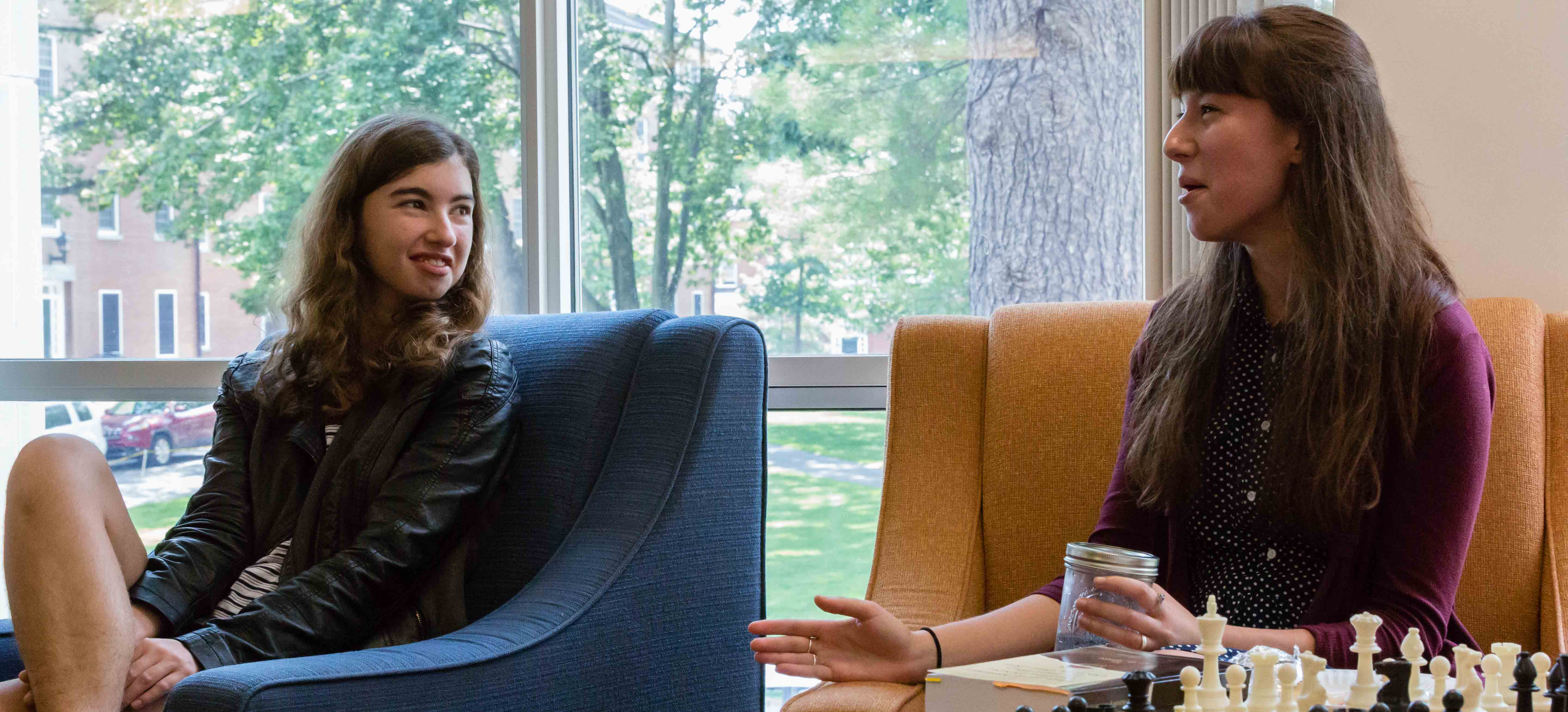 Madeline K. Ruoff '18 asks questions of Emma Hartman '17 on tips for crafting a creative thesis.