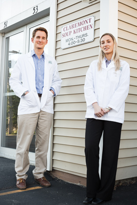 Eric Andrews '09 and Kristine Breuer '09 in front of Claremont Soup Kitchen