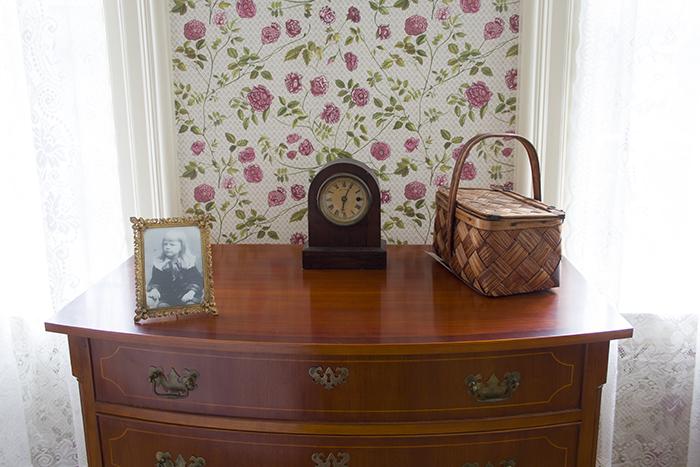 Emily's bureau