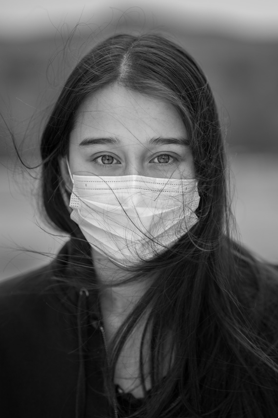 Kalea Ramsey wears a mask