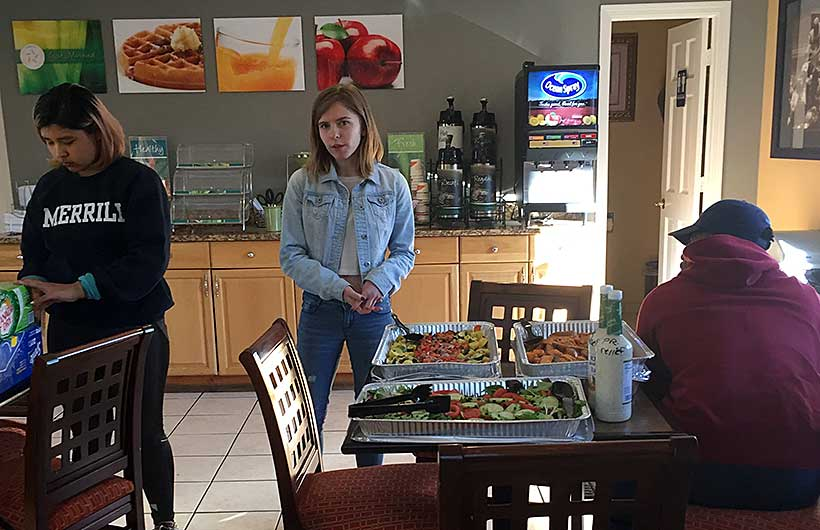 Amherst students delivered dinners from Valentine Dining Hall to Puerto Rican refugees living nearby