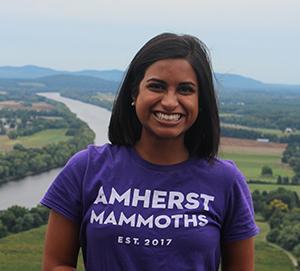 Maya Hossain's Headshot