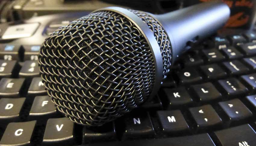 microphone on a keyboard
