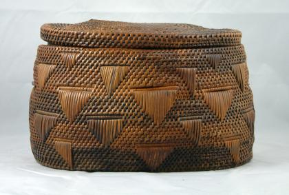 Congolese basket with lid made by the Kongo people, Democratic Republic of the Congo (Zaire).
