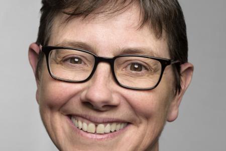 Claire Potter headshot