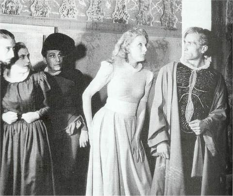 Iya Abdy (centre) and Antonin Artaud (right) in Les Cenci. Image via Amherst University.