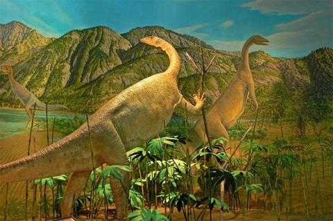 Amherst-Jurassic-Diorama-2-1