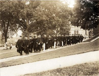 Graduates of the Class of 1916